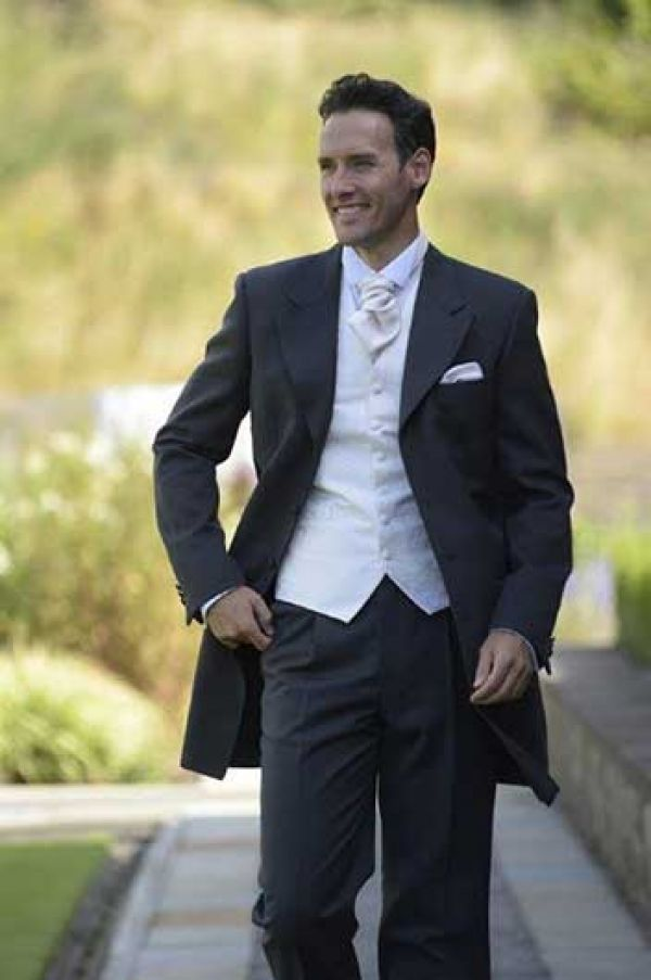 Grooms Room | Romsey | Southampton | Hampshire - Romsey Bridal ...